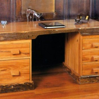 desk-executive-1
