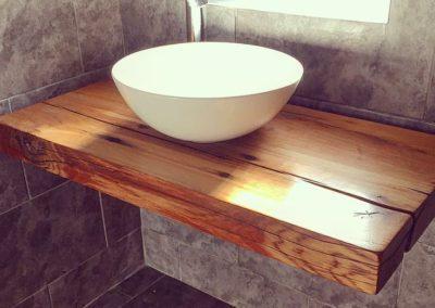 Sink holder in French oak sleeper